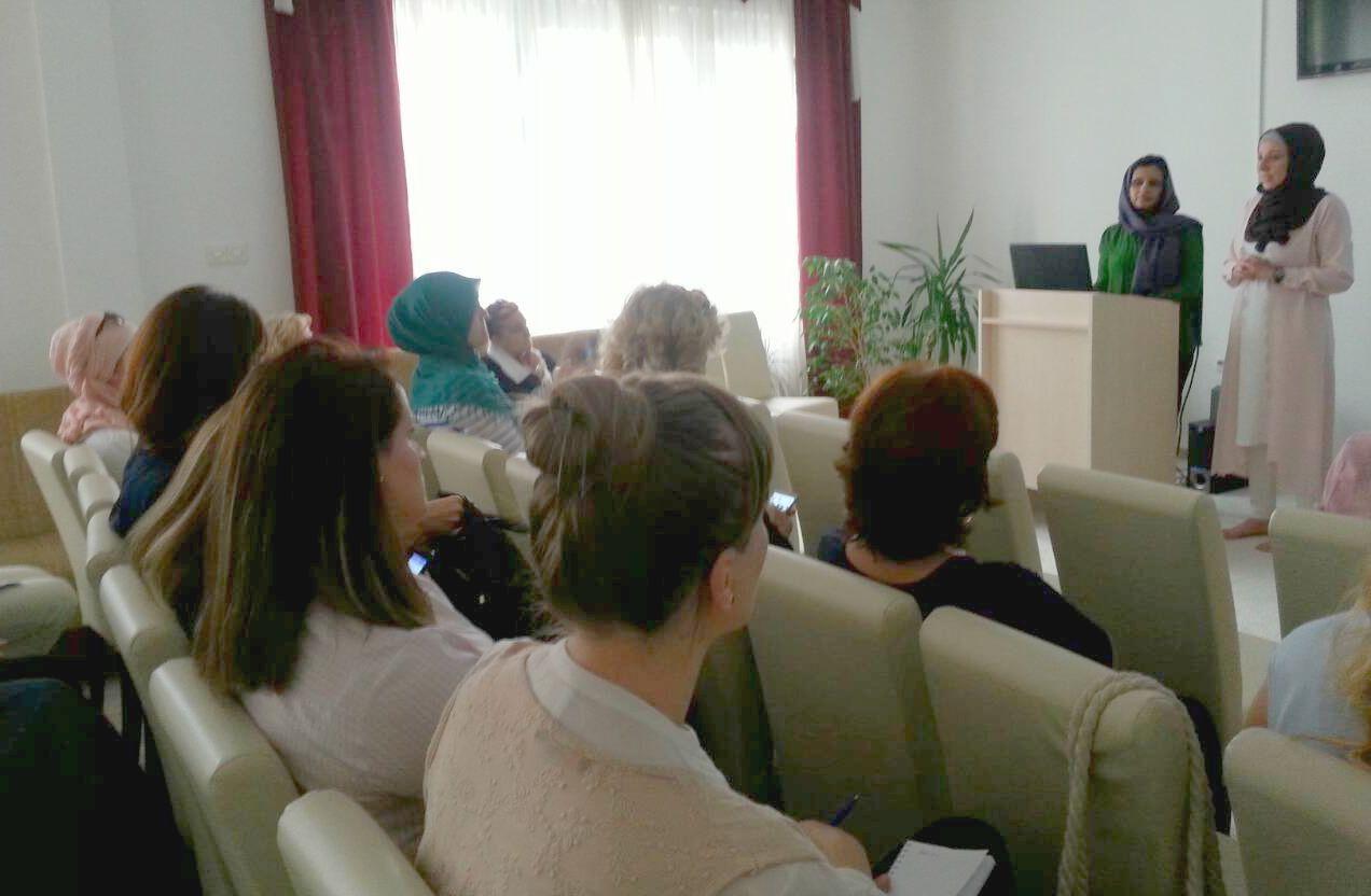 Dr. Saima Sandhu održala predavanje u Uredu Fondacije u Nedžarićima, 17.8.2017.