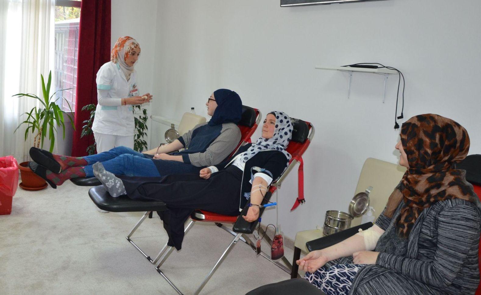 Darivanje krvi u Uredu Fondacije Izvor nade u Nedzaricima