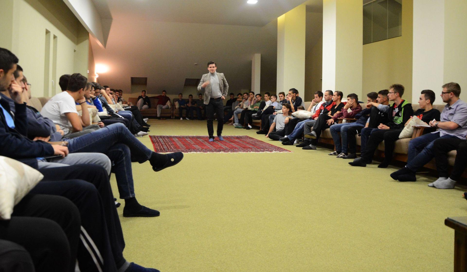 "Kemal Balihodžić održao predavanje za studente Studentskog doma ""Izvor nade"""