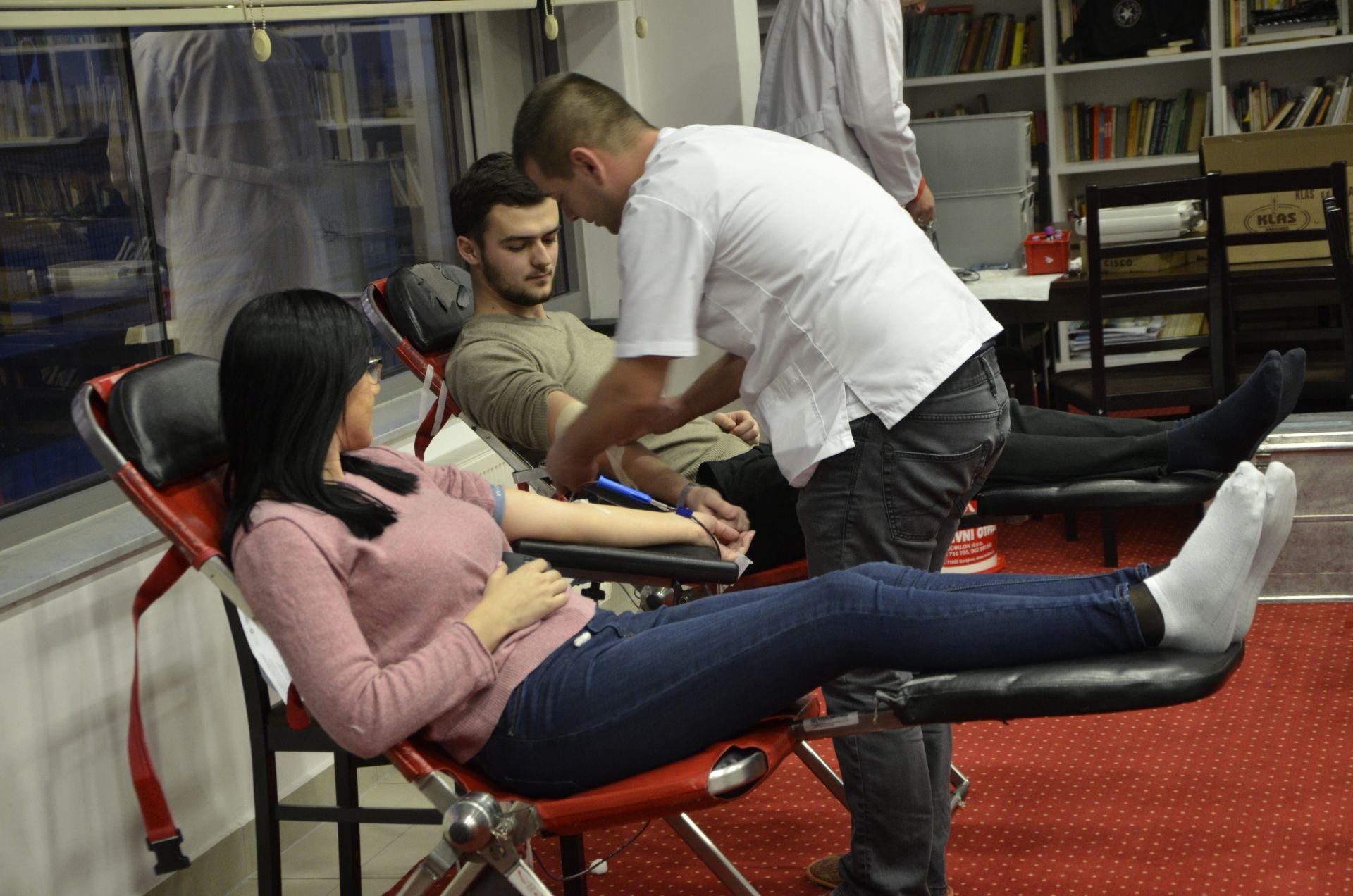 Darivanje krvi dec 2017 Fondacija Izvor nade a