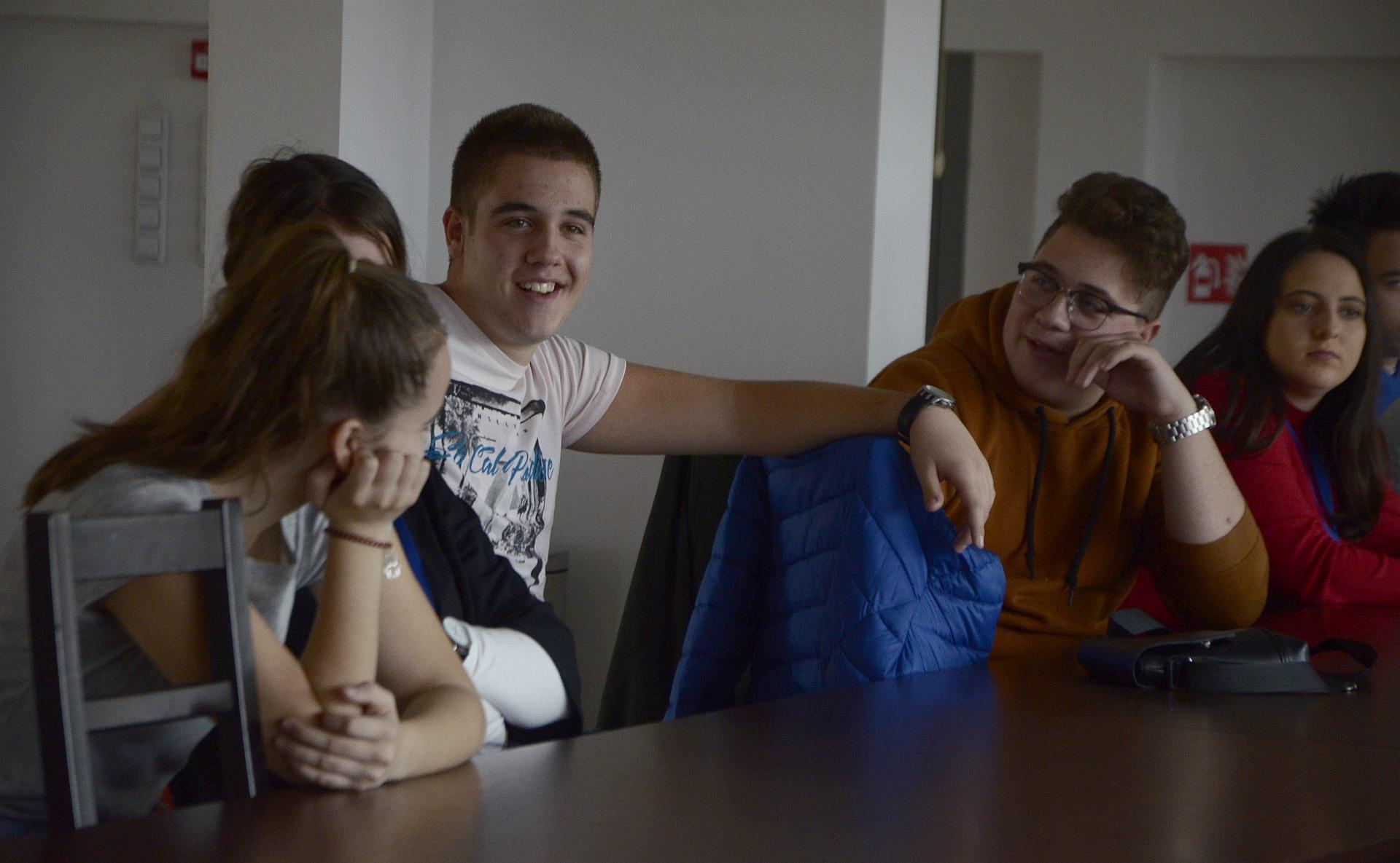 Pohvale i kritike by Merjem S. - Mini-skola 2019_b
